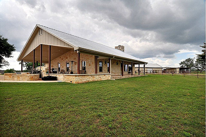 Texas airport homes texas airpark homes hangars and lots for Texas hill country houses for sale